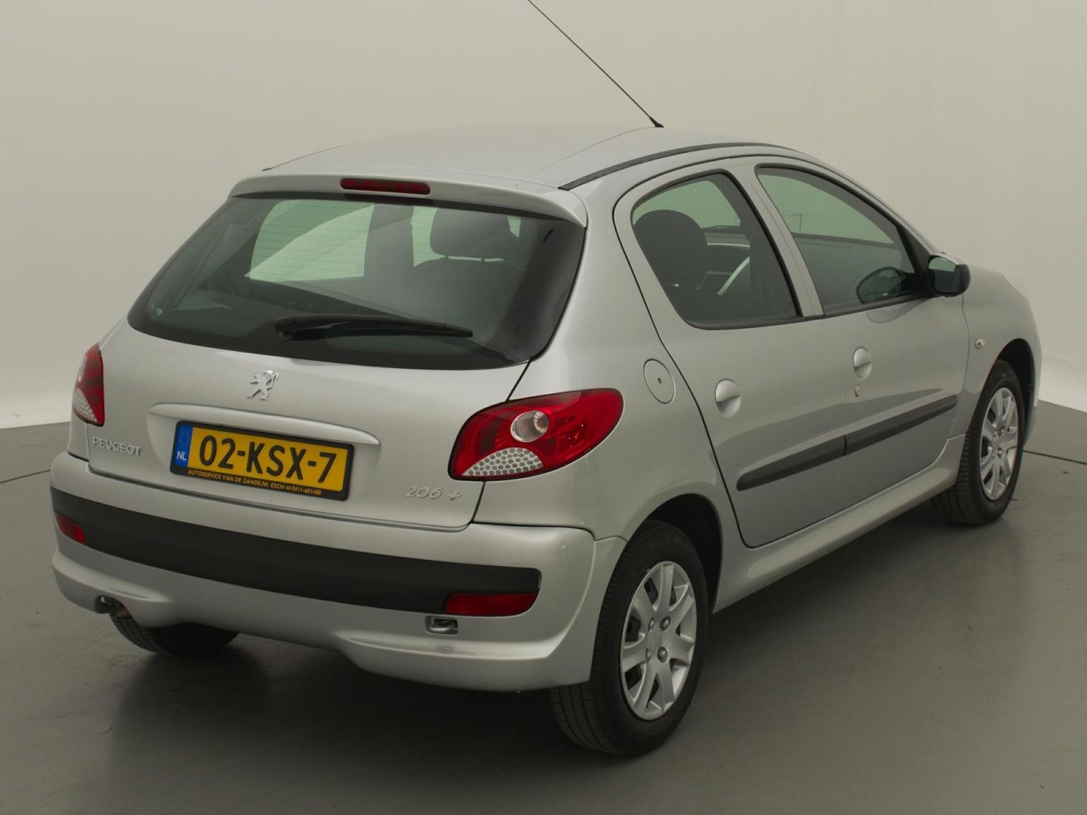 Peugeot-206+-1