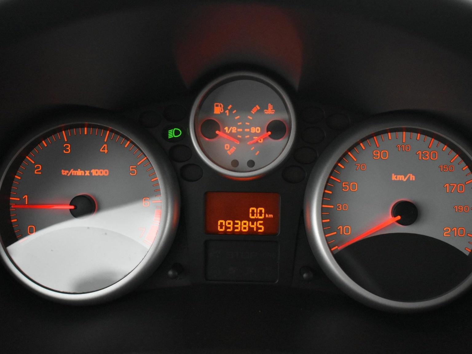 Peugeot-206+-10