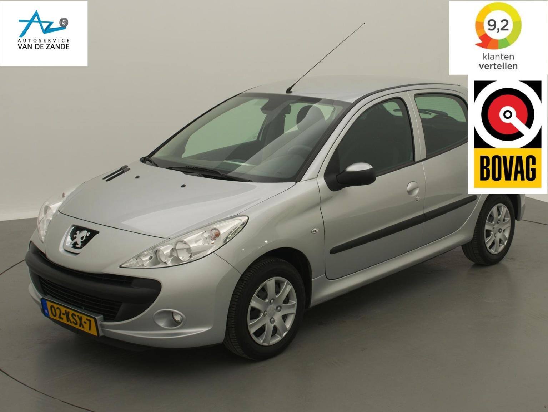 Peugeot-206+-0