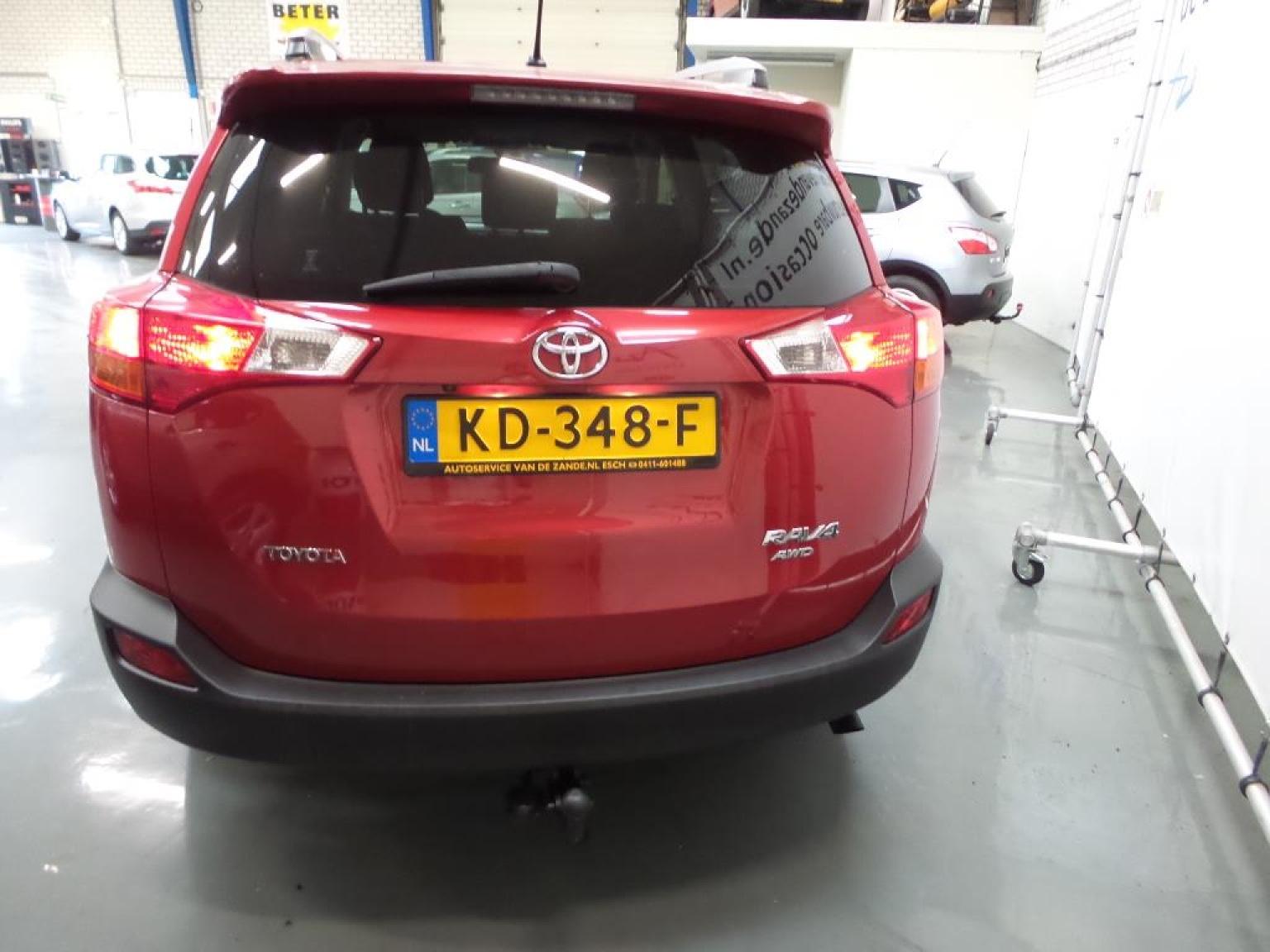 Toyota-RAV4-2