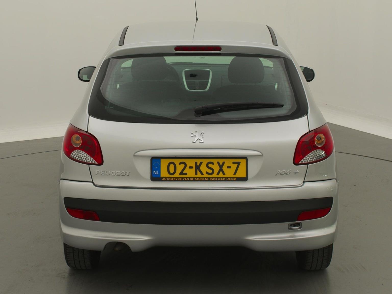 Peugeot-206+-5